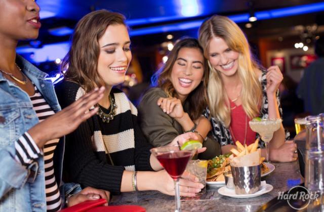 Την Ημέρα της Γυναίκας γιορτάζει το Hard Rock Cafe Athens