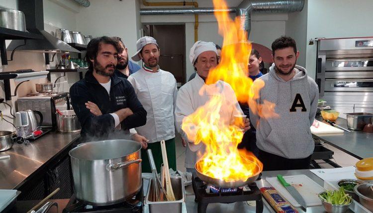 H τέχνη των ιταλικών ζυμαρικών από την Accademia Pizzaioli