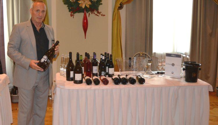 """""""Ο εστιάτορας μπορεί να προσφέρει οικονομικό και ποιοτικό εμφιαλωμένο κρασί"""""""