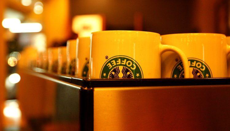 Παγκόσμια μάχη γιγάντων στο χώρο του καφέ