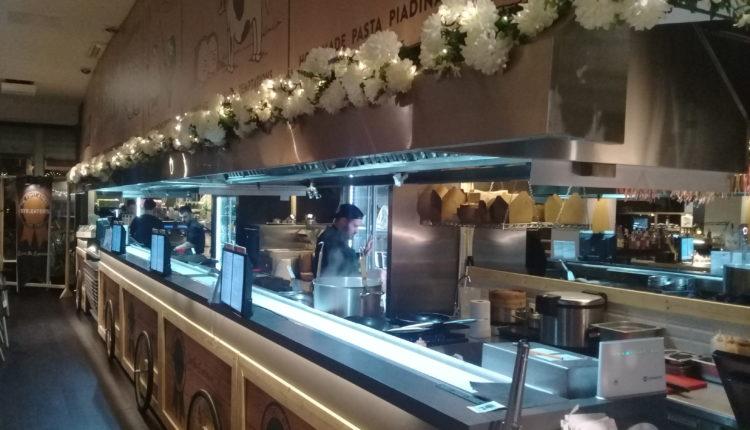 Str.Εaters: Νέο εστιατορικό concept στην Πλ. Καρύτση