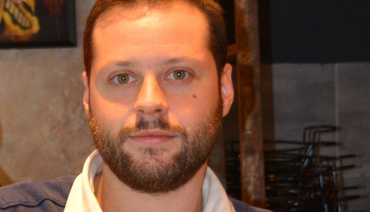 Νίκος Κατσαντώνης [Jazz Burger Bar]: «Έχει ενδιαφέρον η 'ελληνοποίηση' του μπέργκερ»