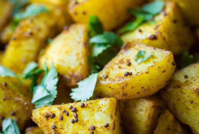 Συνταγή: Ινδικές πατάτες με σπόρους μουστάρδας