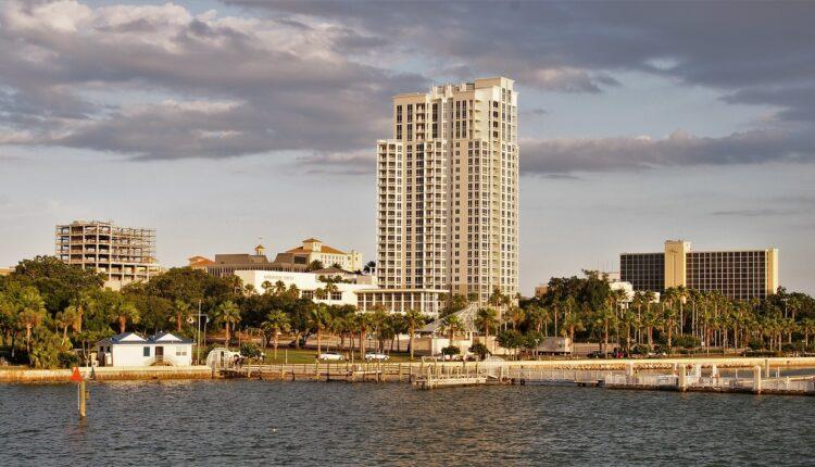 Φλόριντα: Απόφαση για αύξηση του ωρομισθίου στην εστίαση